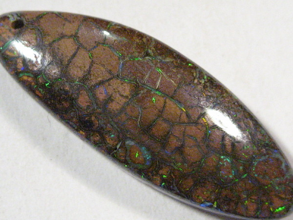 YowahOpals*7.60Cts Boulder Opal Drilled - Pattern stone.
