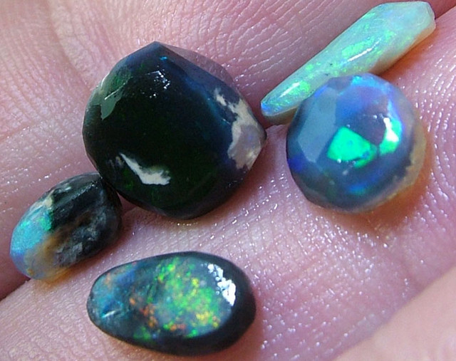 BLACK OPAL ROUGH PARCEL -7.5 CTS [BR775 ]