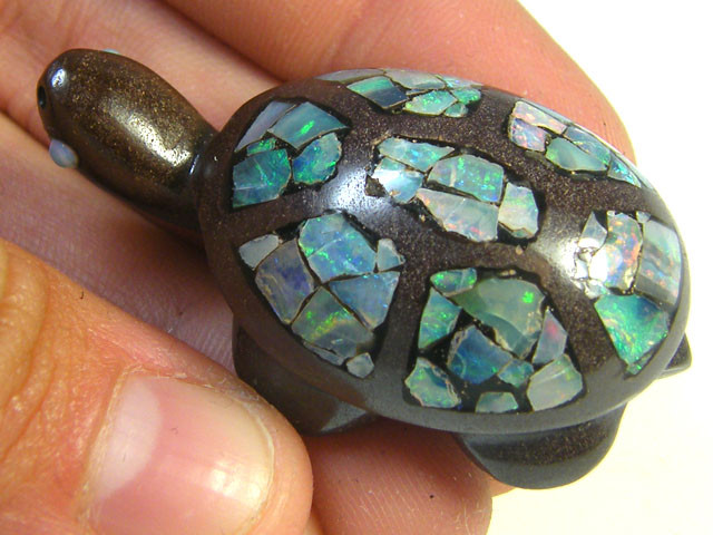LUCKY INLAID OPAL TURTLE CARVING    109 CARATS  JO579