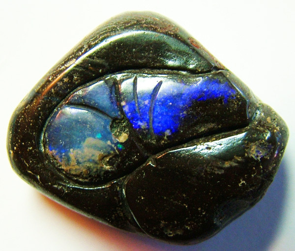 BEAUTIFUL DRILLED CARVED BOULDER OPAL 31CTS AS-194