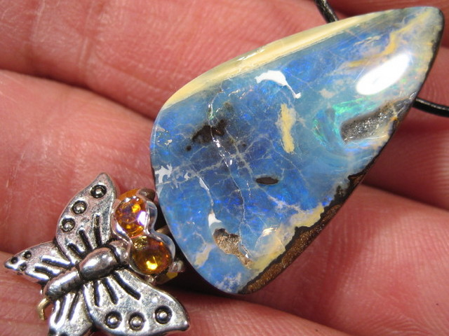 YOWAHOPALS*35.50Cts Necklace- Natural Opal / Charm
