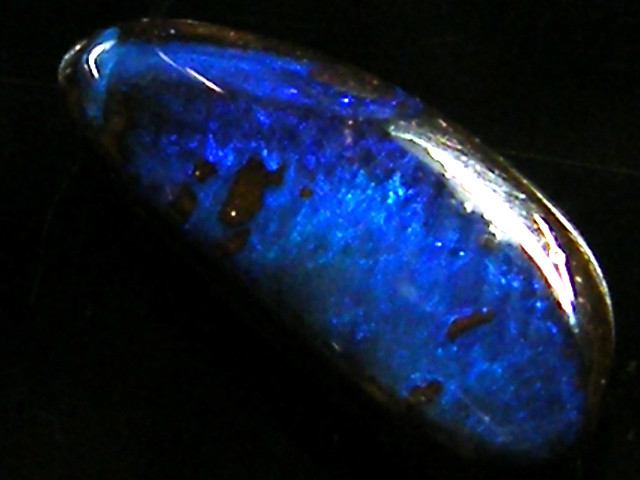 ELECTRIC BLUE BOULDER OPAL 2.10CARATS     QOM 113