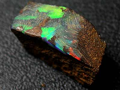 GORGEOUS RICH COLOURS ROUGH BOULDER OPAL 4 CTS GR994