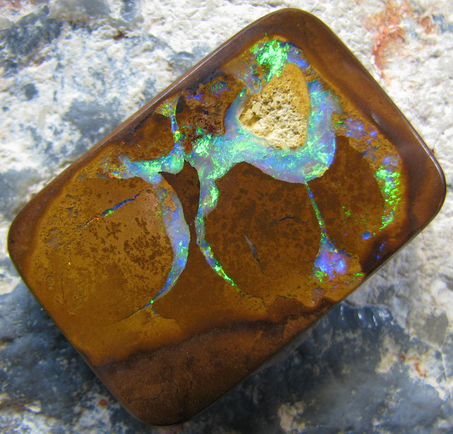BEAUTIFUL PATTERN PICTURE- QUALITY KOROIT OPAL 39.10 cts A1648