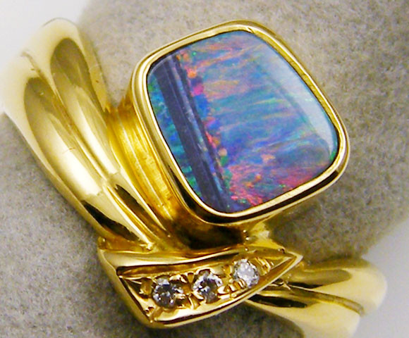 RED FIRE BOULDER  OPAL 18K  GOLD RING SIZE  6  CJ 11