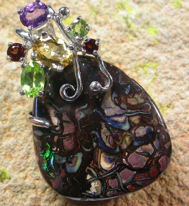 STUNNING  YOWAH  PENDANT WITH  6 NATURAL STONES 49CTS MS1358