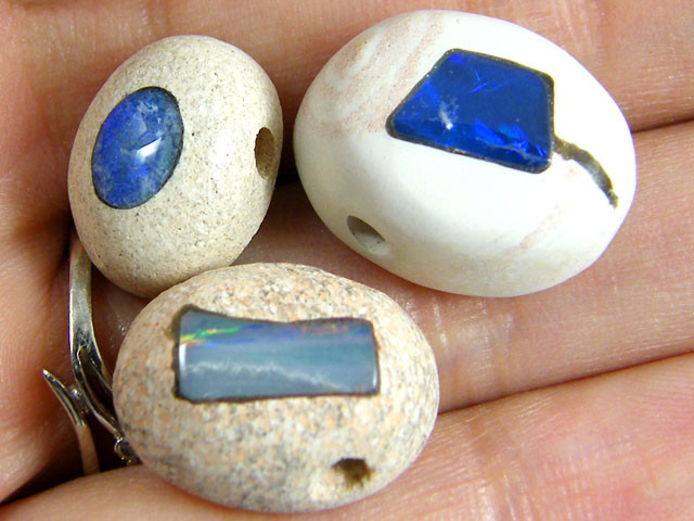 PARCEL  THREE INLAY OPAL BEADS 24.5 CARATS   GTT 707