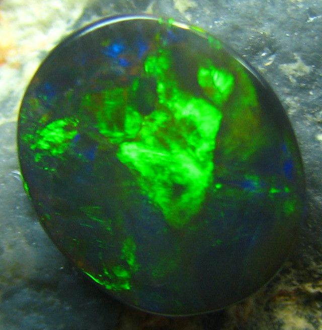 BLACK OPAL FROM DOWN UNDER AUSTRALIA 1.35 CTS FIREY A1970