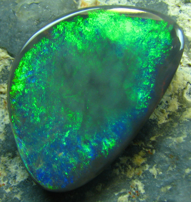 3.95 CTSBLACK OPAL FROM DOWN UNDER AUSTRALIA ELECTRIC GREEN A1978