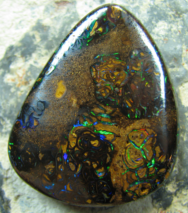 BEAUTIFUL PATTERN PICTURE- QUALITY KOROIT OPAL GREEN EMBEDED A2117