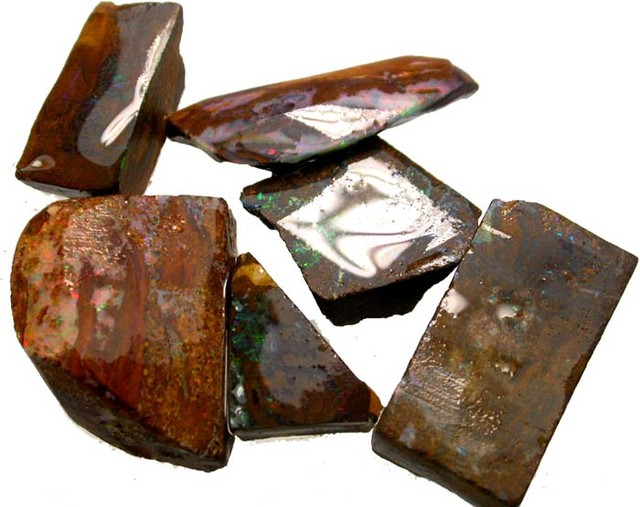 6 PIECES  OF BOULDER  ROUGH  106.40 CTS [BY1715]