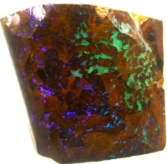 PIECE  OF BOULDER  ROUGH 24.60 CTS [BY1827]