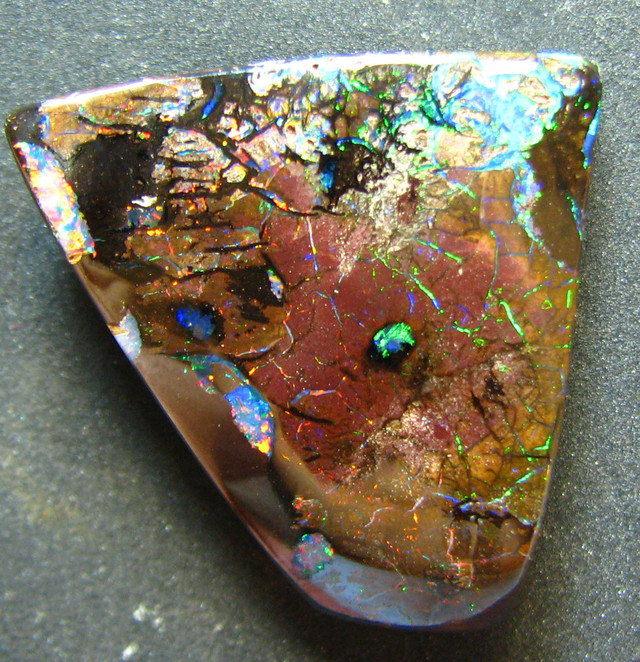 MAGIC COLORS  OPAL GREAT PATTERN FROM AUSTRALIA 59.65 CT
