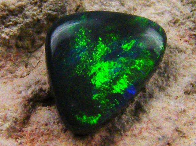 GEM BRIGHT  BLACK  OPAL .55  CTS JO 1332
