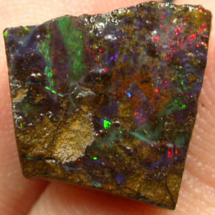 BOULDER  ROUGH  FROM  QUIPLIE   6.00 CTS [BY1802 ]