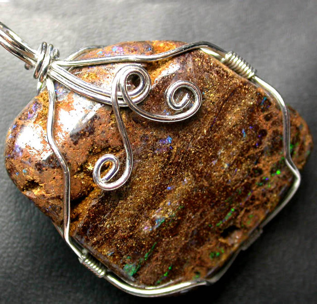 BOULDER MATRIX WIRE WRAPPED 70.70 CTS [BMA3167 ]