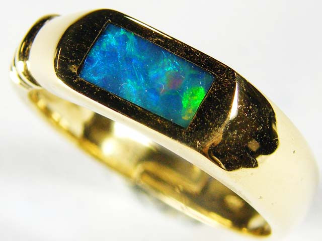 OPAL INLAY GOLD RING SIZE 7 SCO603