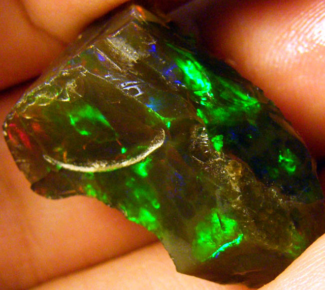 STUNNING DARK BROWN OPAL FROM ETHIOPIA 28.4 CTS [HOP11]