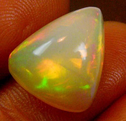 F/S Freeform bright Ethiopian Opal 5.75 Carats  code QOm 364