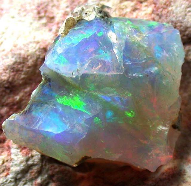 FFF Rough Ethiopian Opal 7.20 Carats  code QOM 447