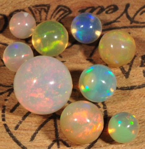 COLORFUL WELO GEM OPALS~LOOSE ROUND BEADS~X9~10CTW