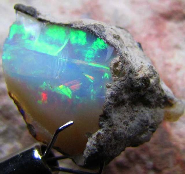 FFF Rough Ethiopian Opal 12.10 Carats  code QOM601