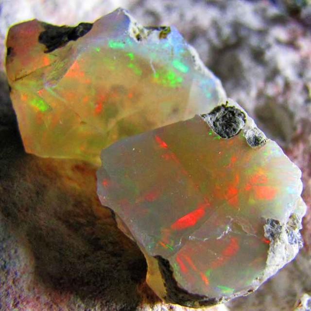 SF PARCEL Rough Ethiopian Opal 21.45 Carats  code QOM610