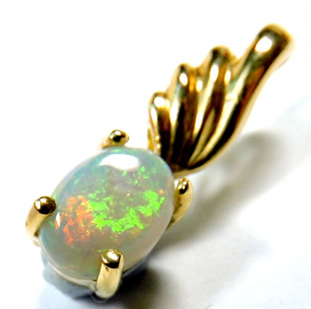 RED FIRE PLAY CRYSTAL OPAL FIREFLASH 18K GOLD PENDANT SCO239