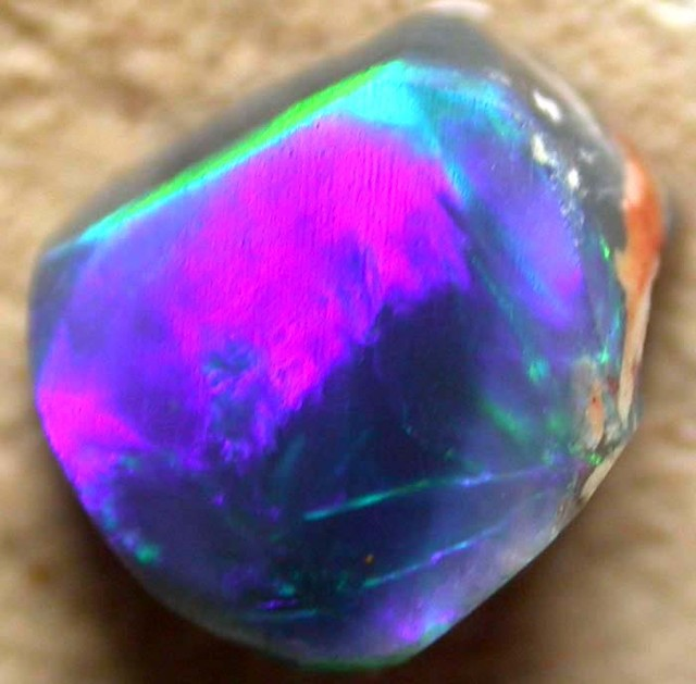 GREEN FLASH ROUGH  FROM LIGHTNING  RIDGE 1.40 CTS- [BR1935]