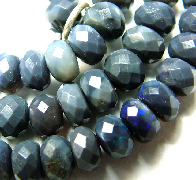 BLACK OPAL BEADS FACETED  DRILLED 84.75  CTS  AS-A2071