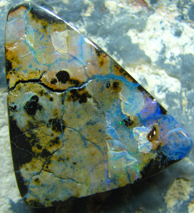 POLISHED BOULDER OPAL - DRILLED- FOR PENDANT USE 42.10 CTS A6378