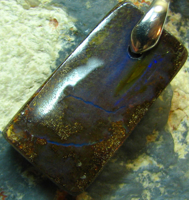 BOULDER PENDANT ON CORD READY TO WEAR 16.55 CTS A6720