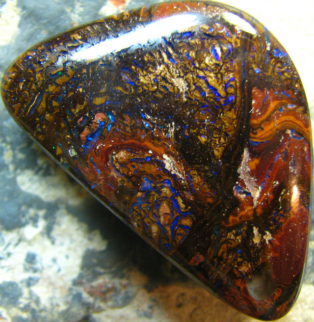 NATURAL POLISHED YOWAH OPAL  62.75 CTS LARGE A7085