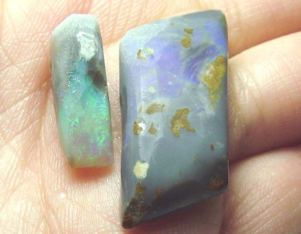 BLACK OPAL ROUGH PARCEL L. RIDGE  15 CTS  DT-7216
