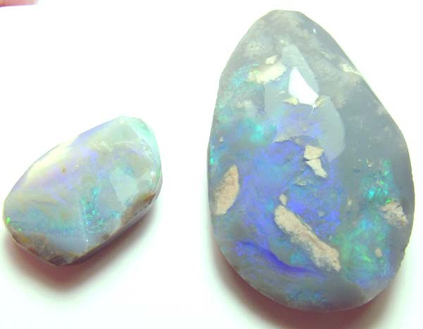 BLACK OPAL ROUGH PARCEL L. RIDGE  31 CTS  DT-7211
