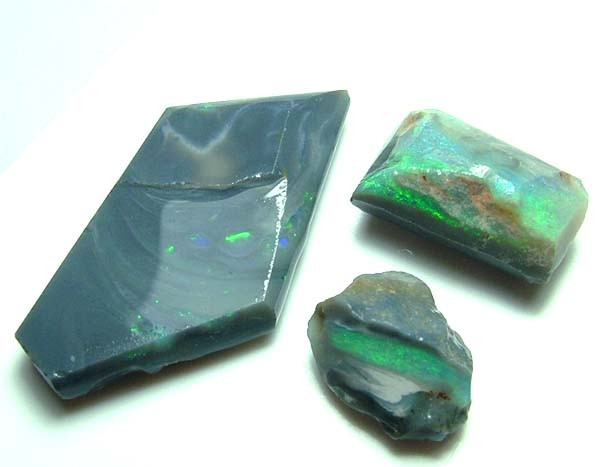 BLACK OPAL ROUGH PARCEL L. RIDGE 13  CTS DT-7218