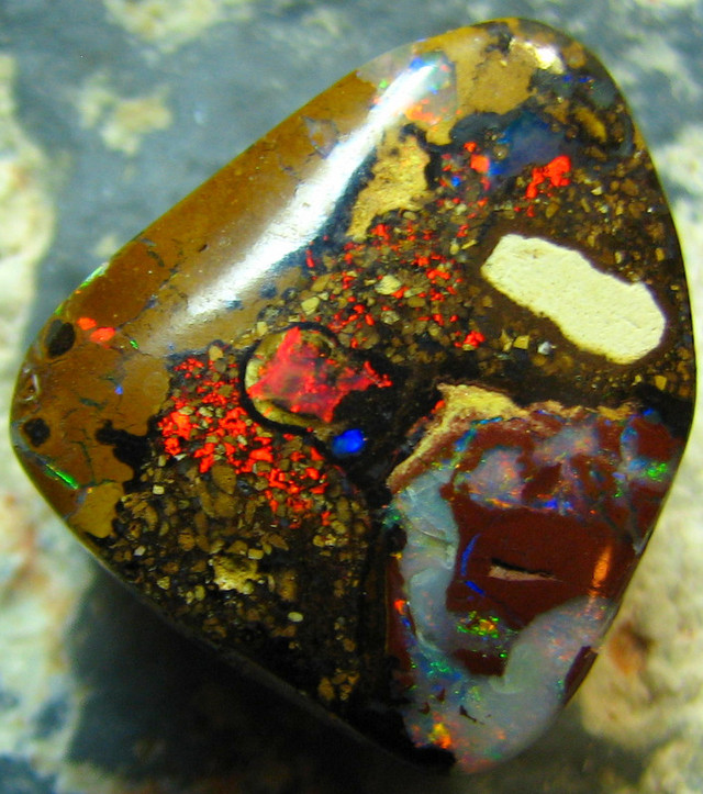 BEAUTIFUL RED FLASH FIRE  KOROIT OPAL 12.05 CTS