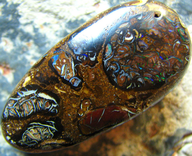 GREAT PATTERN GOES ALL THE WAY AROUND KOROIT OPAL 63.05 CTS