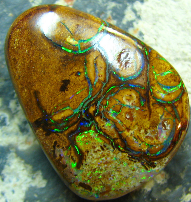 VERY NICE FIRE BRIGHT ELECTRIC YOWAH BOULDER OPAL 30.05 CTS A7566