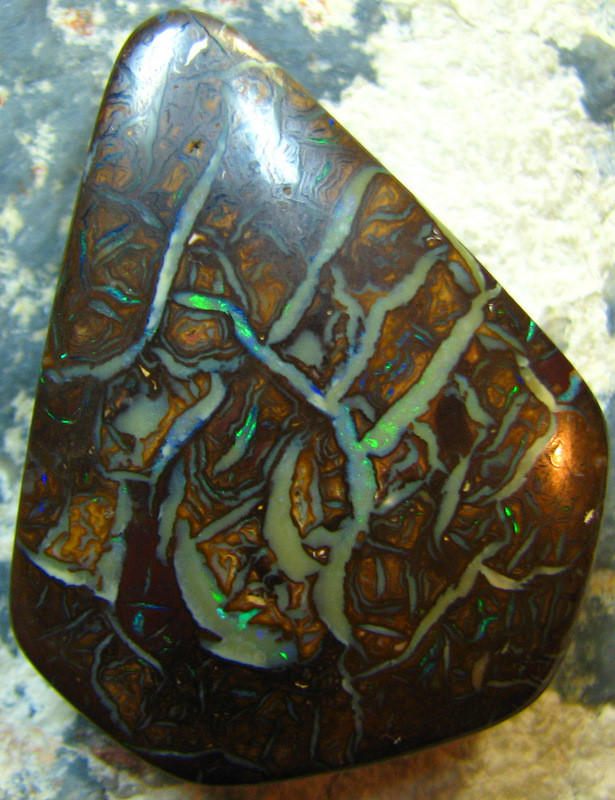 GREAT PATTERN PENDANT STONE DRILLED AUSSIE OPAL 70.30 CTS