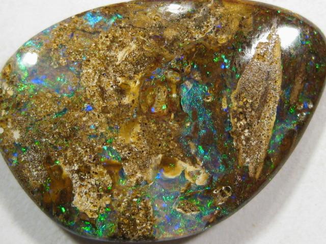 Gemmy Flash`s of Blue / Green Opal.