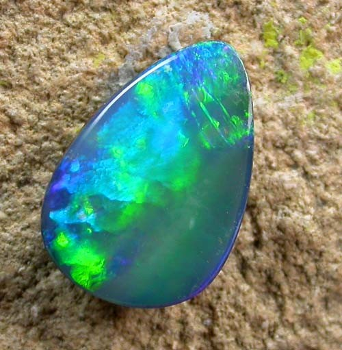 5.41 cts Beautiful Opal Doublet (R760)