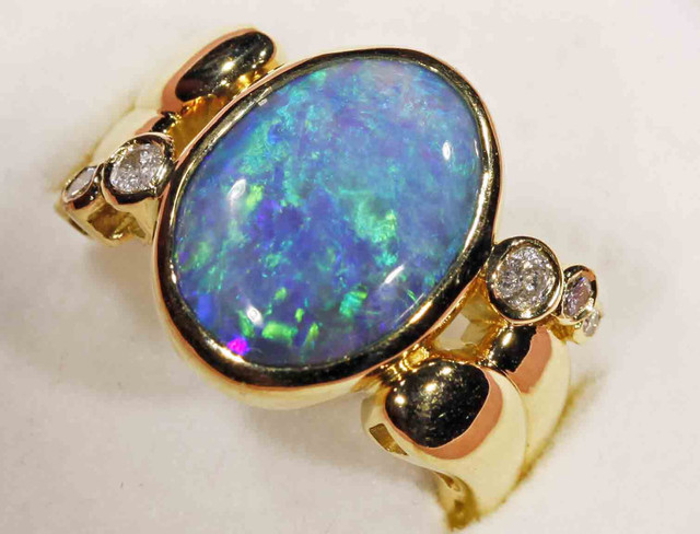 BLACK OPAL RING, 18CT YG, 6 DIAMONDS, EXCELLENT LADIES RING