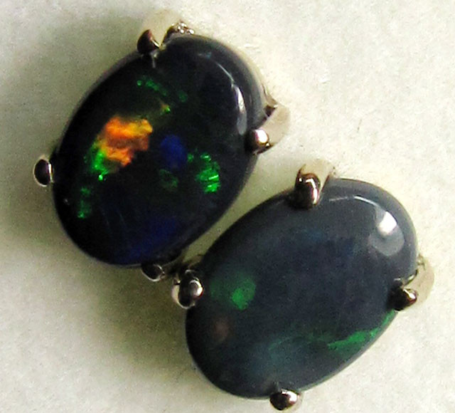 ROLLING FLASH BLACK  OPAL 18K  GOLD EARRINGS  CK 60