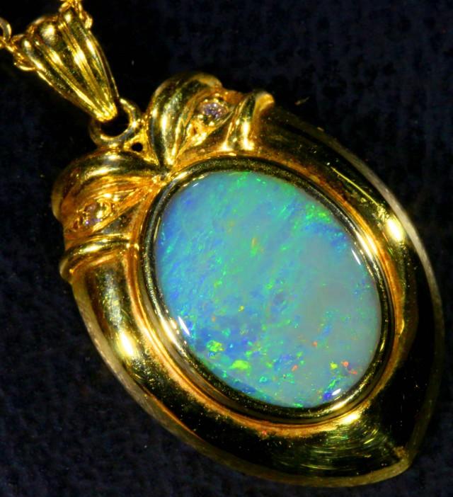 CRYSTAL   OPAL  18 K GOLD  PENDANT  CK 92