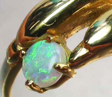 CRYSTAL OPAL RING SIZE 6 1/2    18 K  GOLD   CK 199