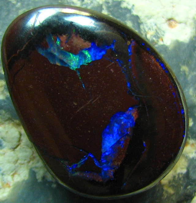 BOULDER YOWAH OPAL APPEALING NATURAL STONE 15.70 CTS A8087
