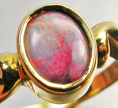 RED FIRE  OPAL RING SIZE 6.5 18 K  GOLD   CK 287