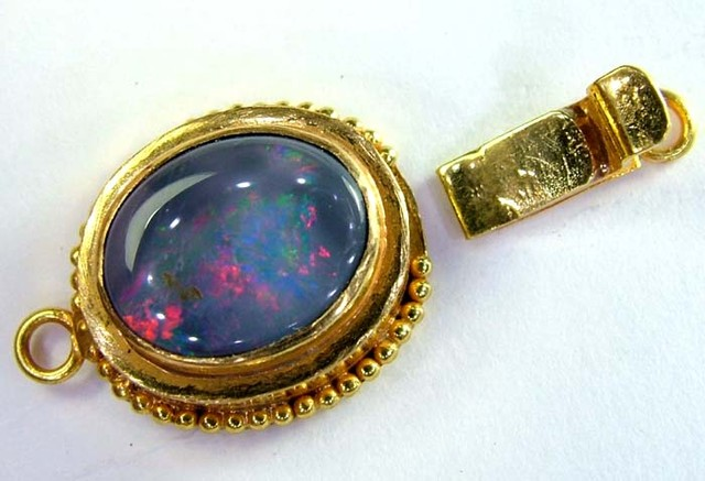 SOLID BLACK OPAL -22K SOLIDGOLD CLASP 13.80 CTS OC-2