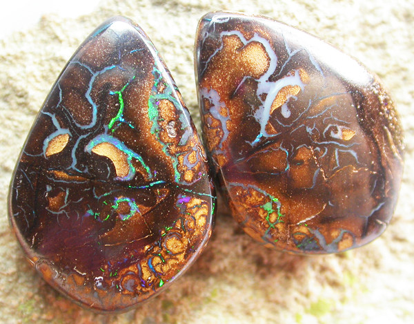 KOROIT OPAL PAIR   [MS3395]